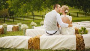 Read more about the article Matrimonio in agriturismo con Petit Cadò